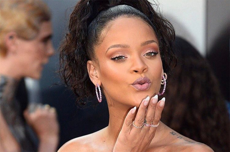 Rihanna Revives the French Manicure