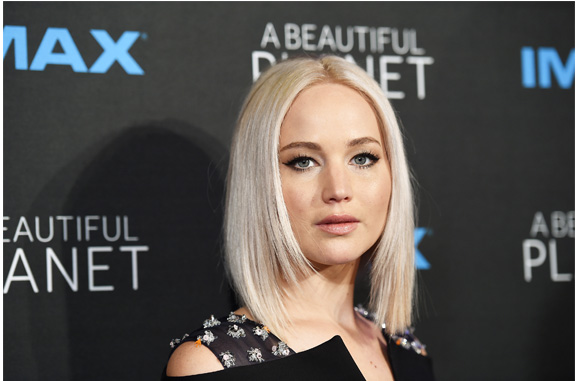 jennifer lawrence blonde